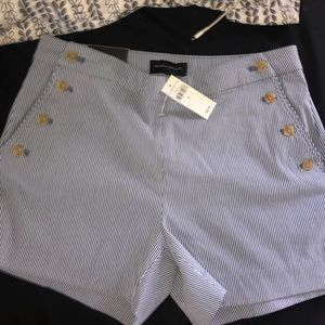 "Banana Republic 4"" Short"